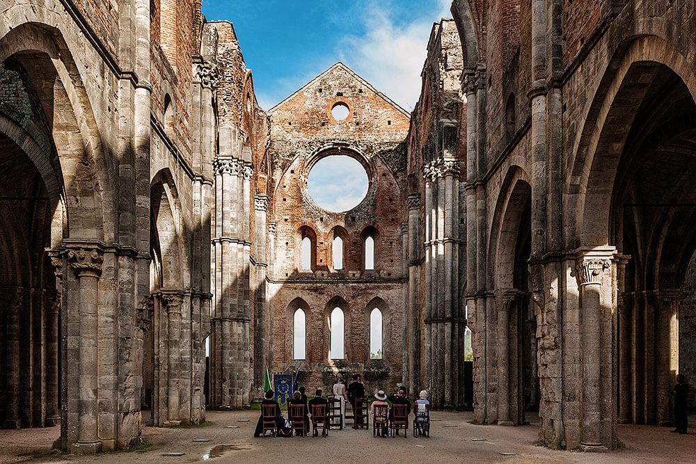 intimate wedding in san galgano abbey