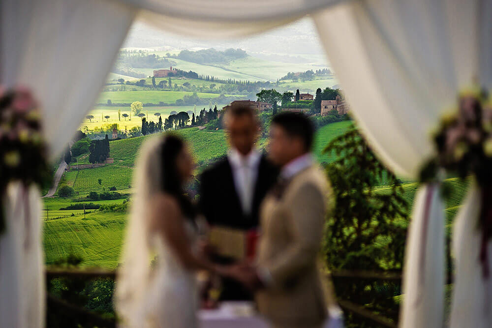 romantic val d'orcia wedding background