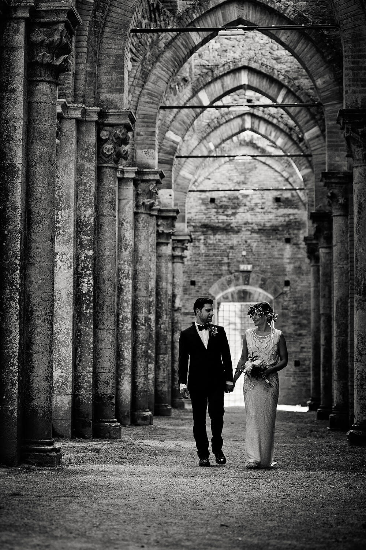bride and groom lovely walk in san galgano