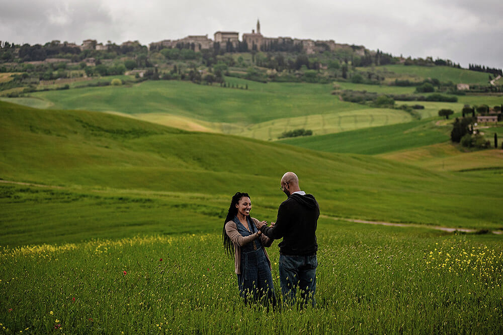 engagement portrait in umbria