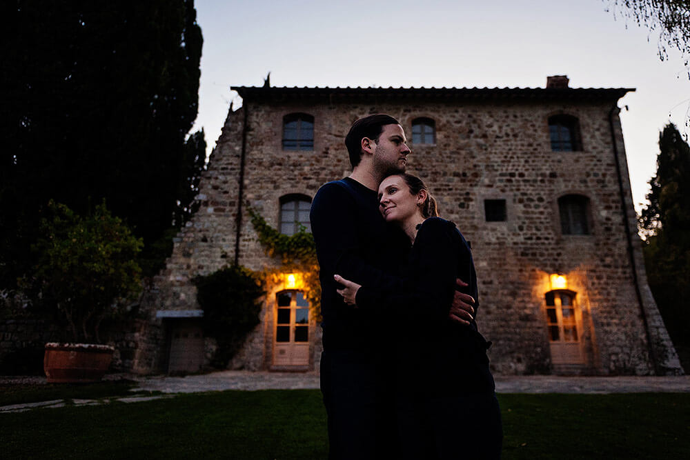 engagement session in val d'orcia