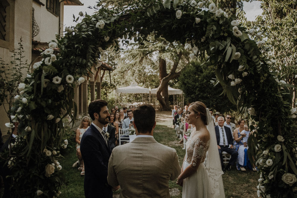 outdoor ceremony in the garden of the villa, wedding in tuscany