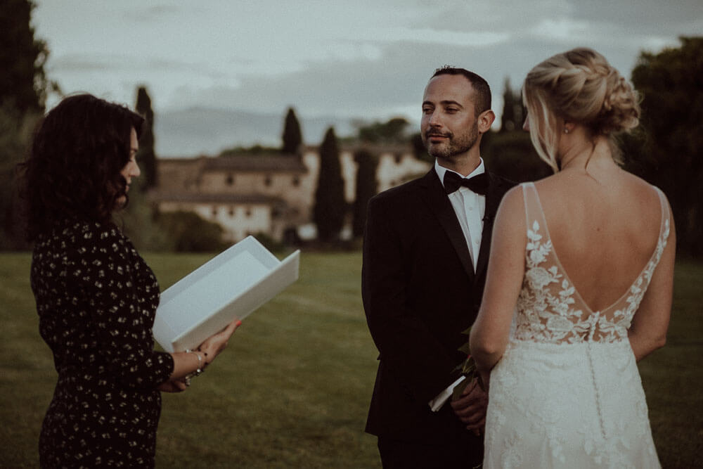 Bride & Groom Photo - Countryside Elopment in Tuscany