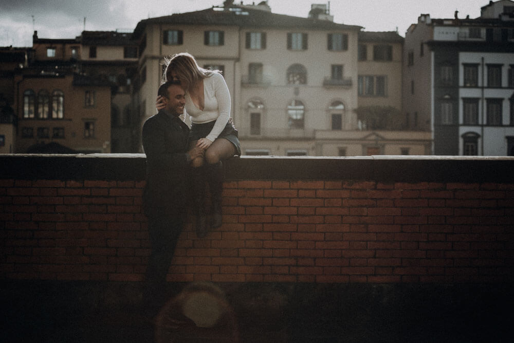 Sunny winter couple session in Florence, Italy