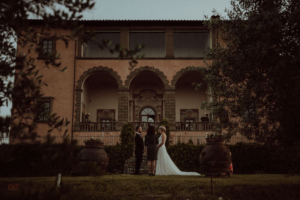 Bride & Groom - Elopment Ceremony in Tuscany countryside