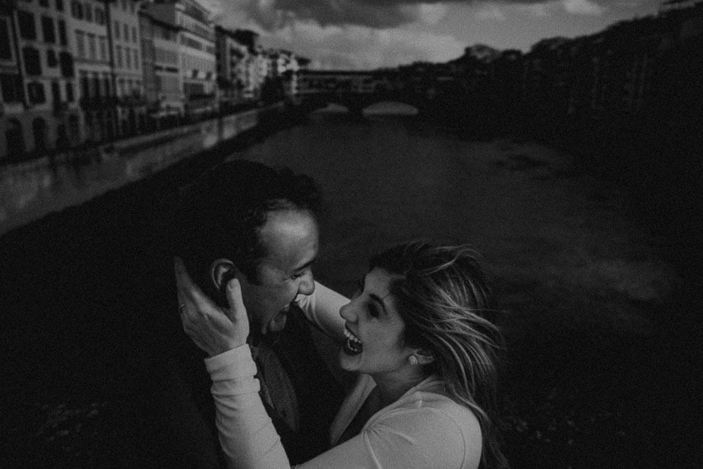 Winter engagement photo session in Florence, Tuscany
