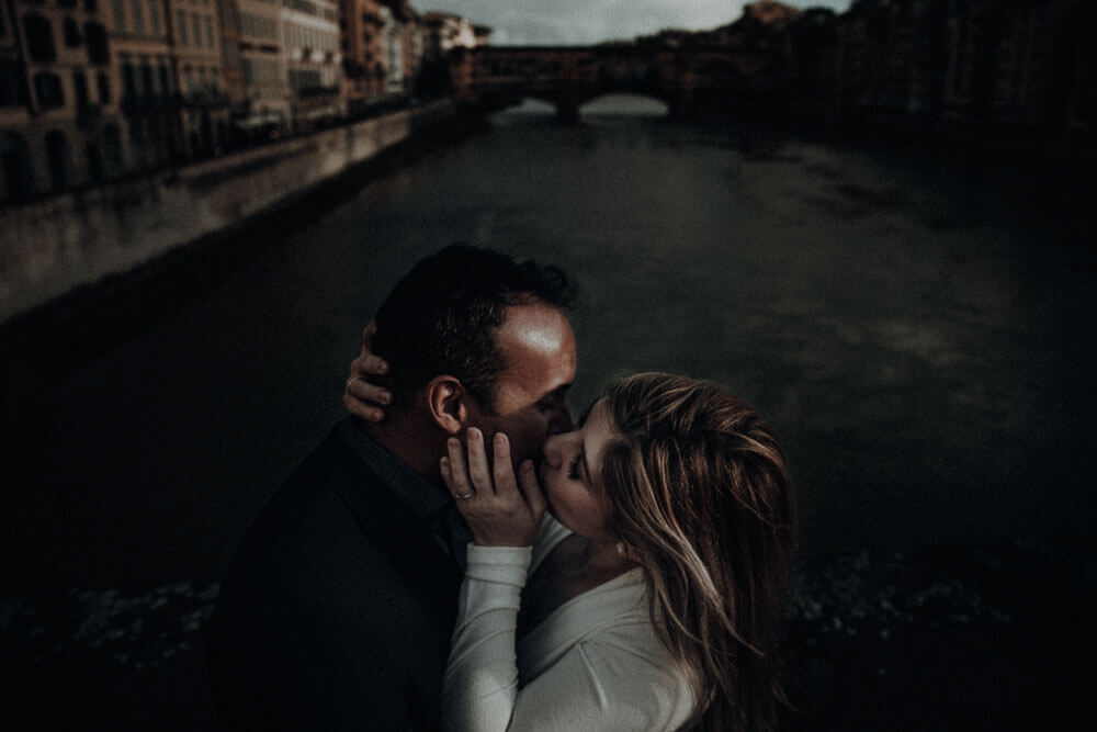 Winter engagement session in Florence, Tuscany