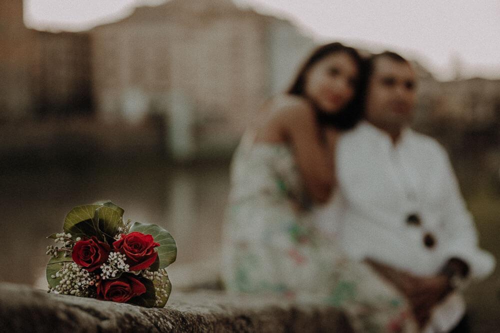engagement bouquet, florence couple session