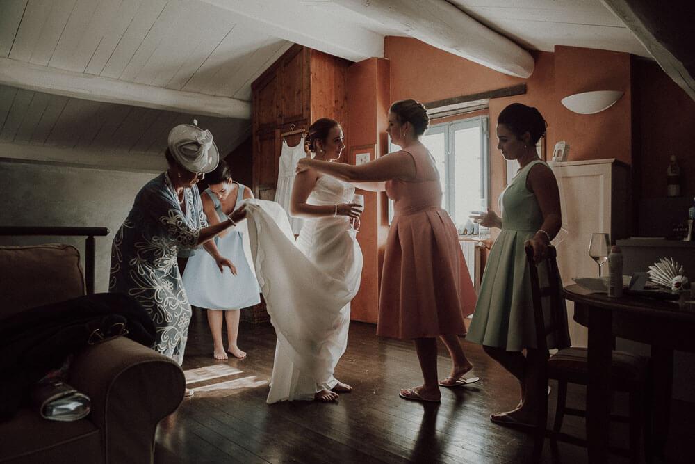 castle wedding in tuscany, bride getting ready