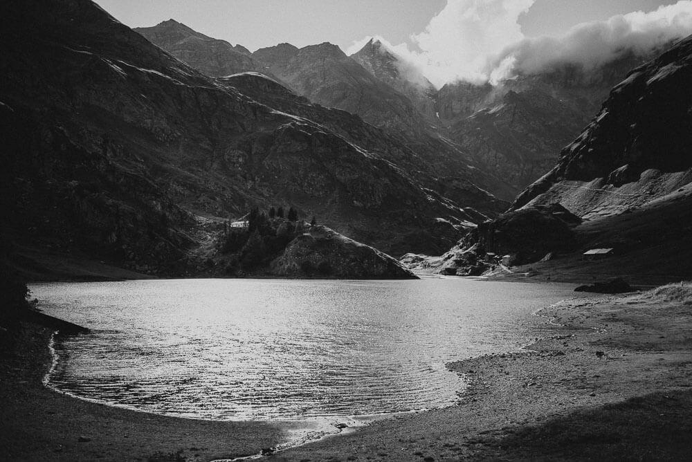 lake malciaussia elopement location italian alps