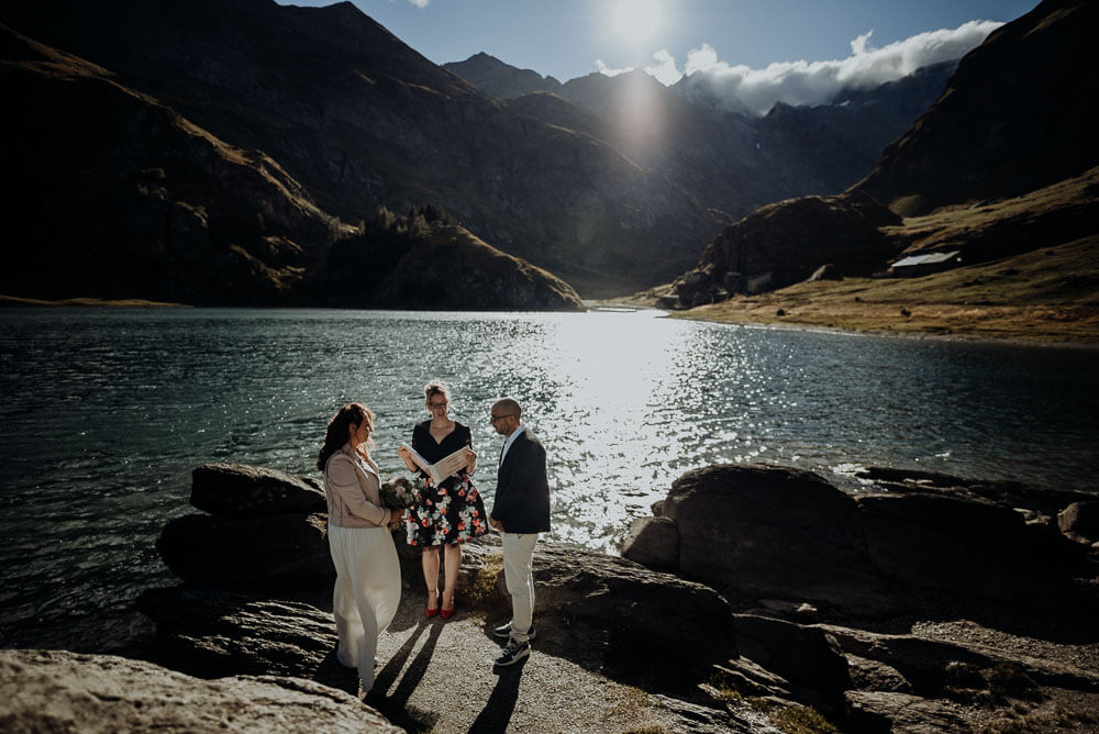 elopement on italian alps lake