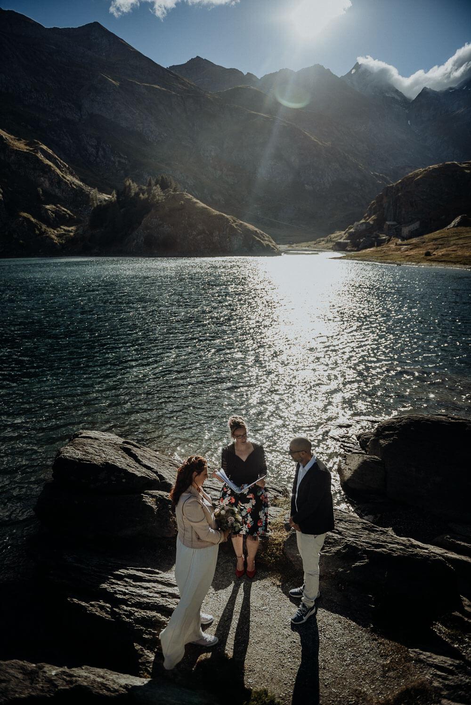 lake elopement ceremony on italian dolomites