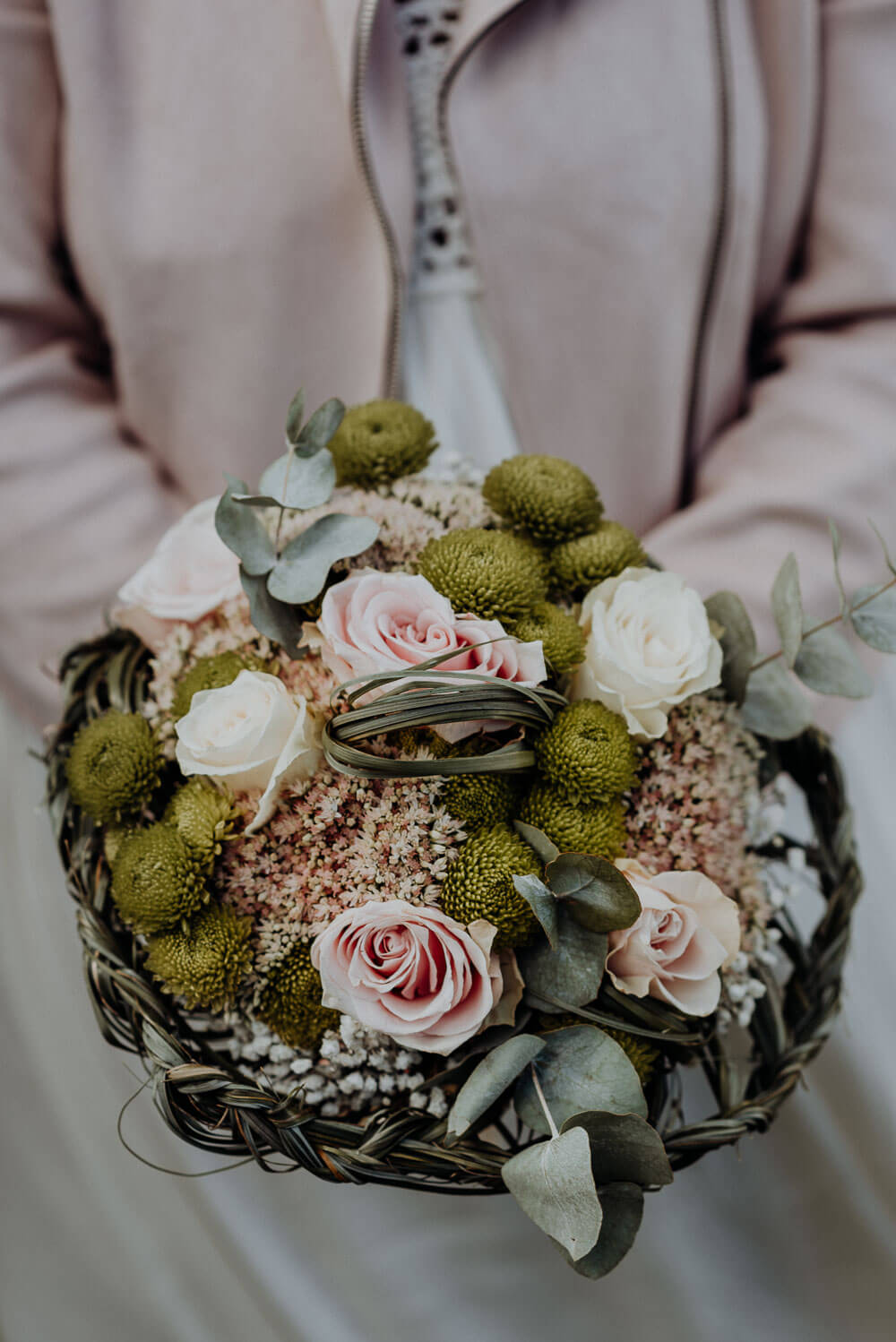 alps elopement wedding, bridal bouquet with roses