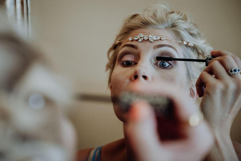 bride getting ready wedding langhe piedmont