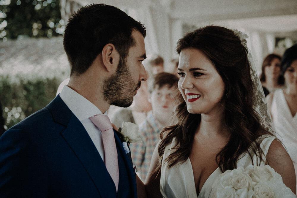 happy wedding couple, tuscany wedding