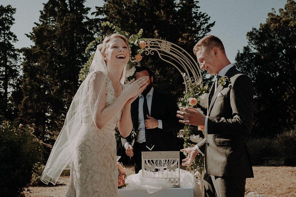Release doves, symbolic wedding in tuscany