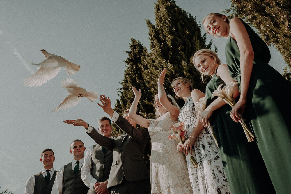 Release doves, wedding in tuscany